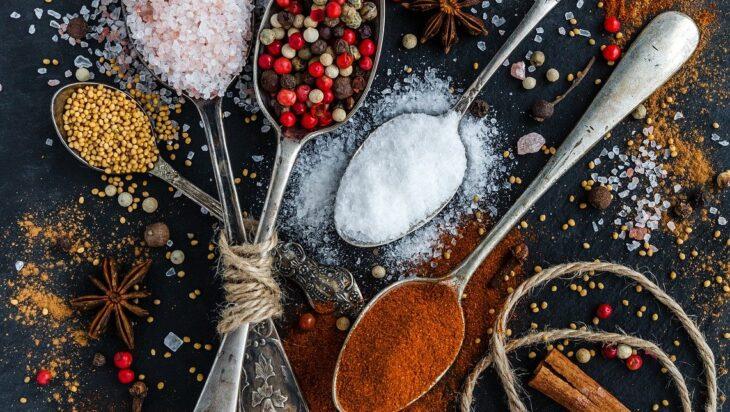 αλάτι μπαχαρικά